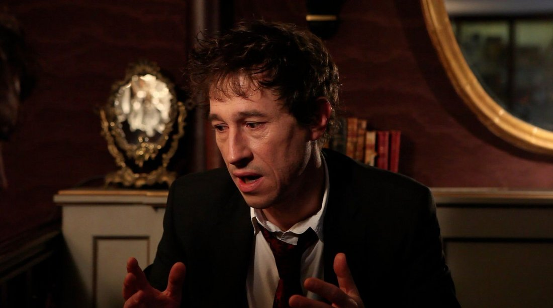 Bertrand Bonello dans « Le dos rouge  » d'Antoine Barraud, 2014 -screenshot