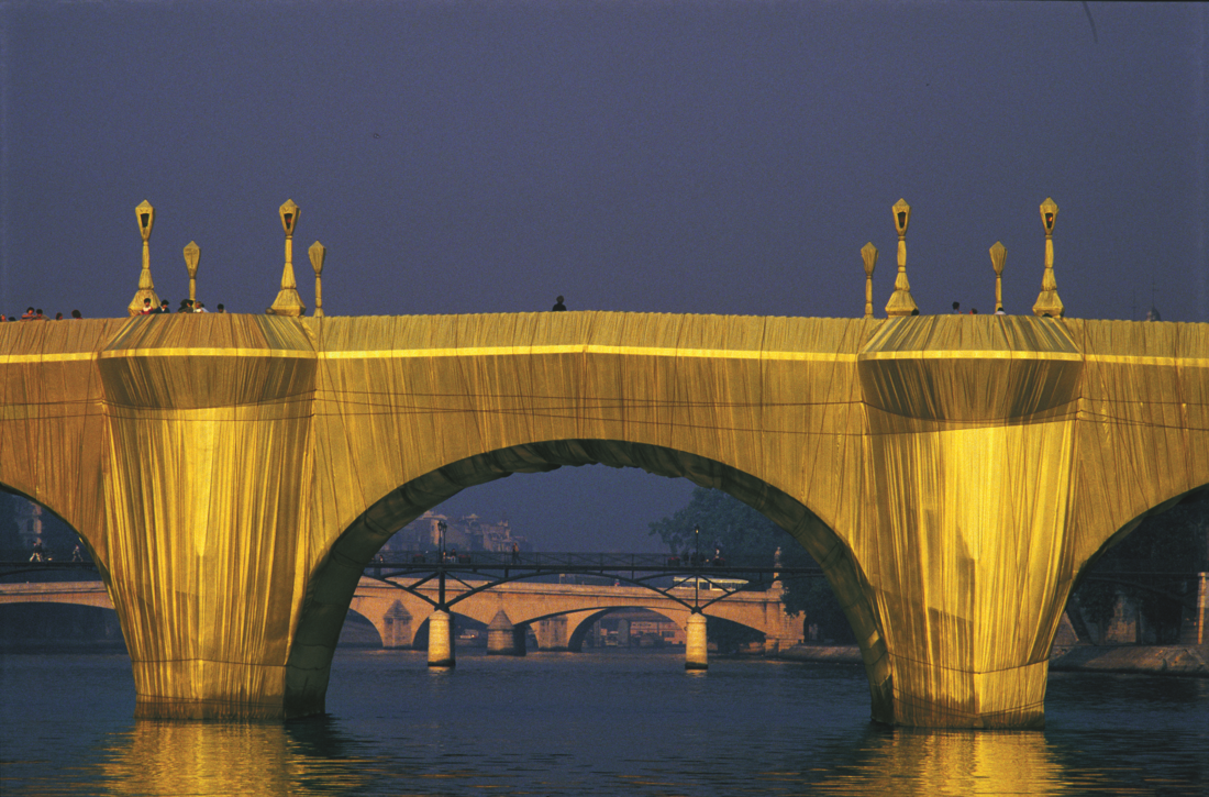 "Christo et Jeanne-Claude, ""Le Pont-Neuf Wrapped"", Paris, 1975-1985"