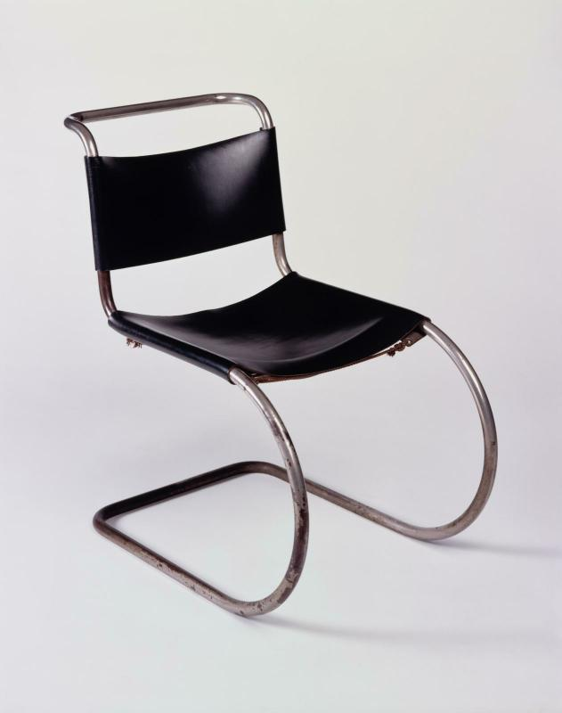 Loeuvre Chaise MR 10